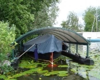 Boten, kano's of drijvende overkapping